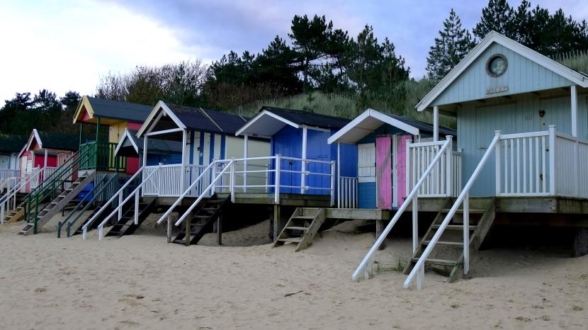 wells_beach_huts_colour