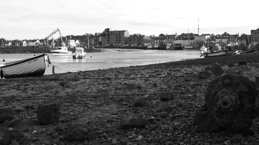 wells_harbour_mono_16x12